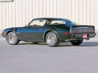 HPP Magazine 1979 Trans Am Restore a Muscle Car Auto Restoration